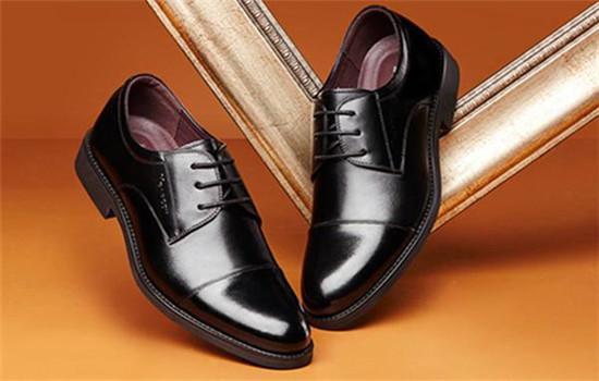 皮鞋多久擦一次鞋油 打鞋油方法