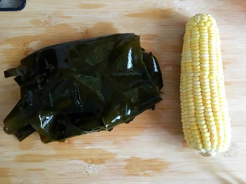 海带玉米炖排骨
