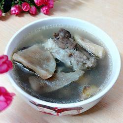 土茯苓筒骨汤