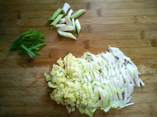 腊肉煮豆丝