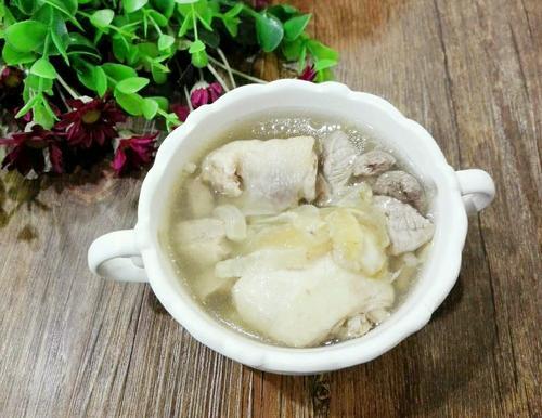 鱼胶炖鸡汤
