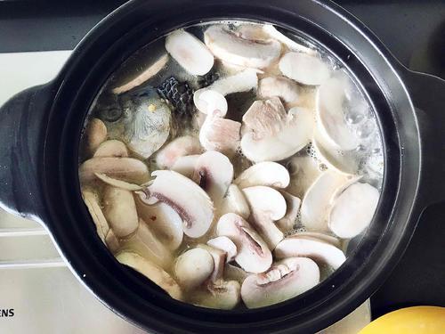 山药鲫鱼汤