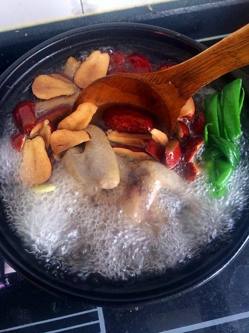 鸽子红枣汤