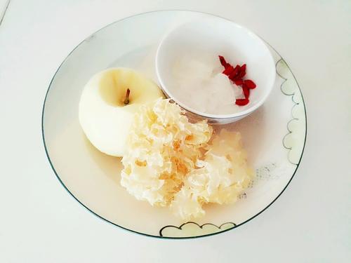 冰糖苹果银耳汤