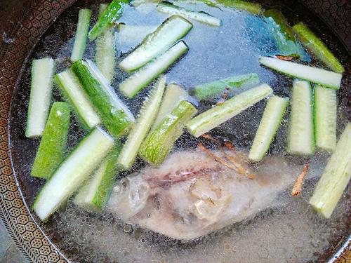 青瓜鲫鱼汤