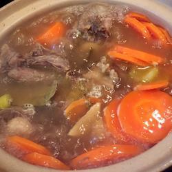 胡萝卜牛尾汤