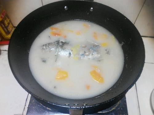 木瓜花生鲫鱼汤