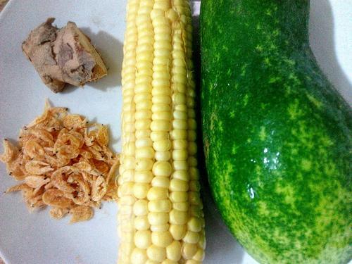 鲜味玉米节瓜汤