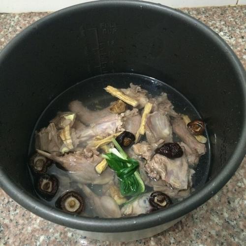 滋补老鸭汤