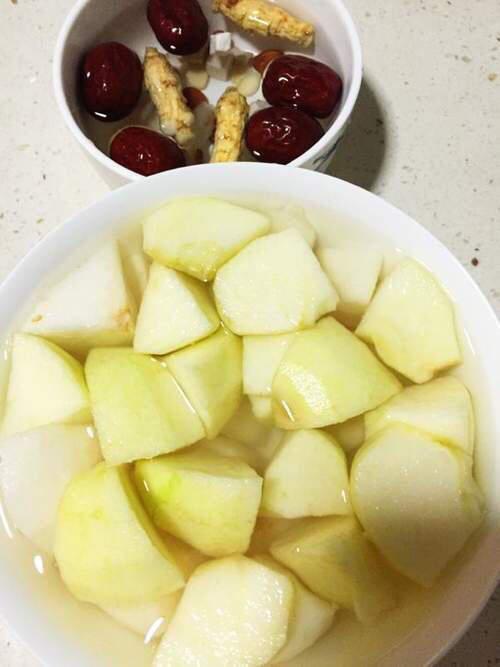 青苹果雪梨银耳汤