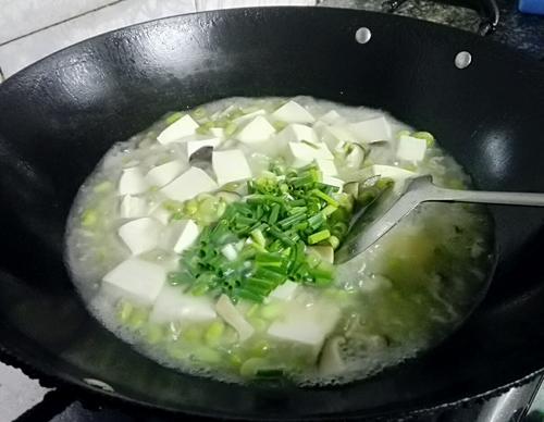 毛豆冬菇煮豆腐