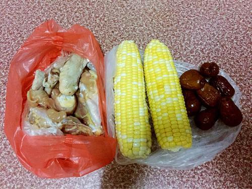 玉米红枣鸡汤