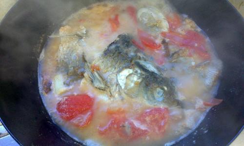 番茄鱼头汤
