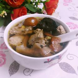 土茯苓生地煲鸡汤