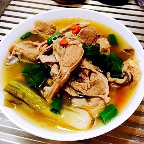 清炖羊肉煲