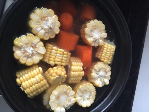 排骨炖玉米