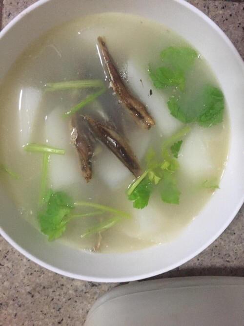 鱼干萝卜汤