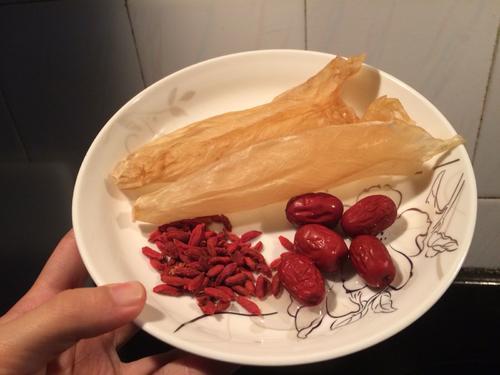 花胶红枣枸杞汤