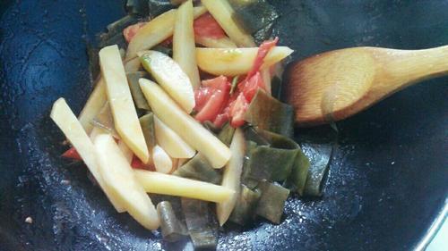 土豆番茄海带汤