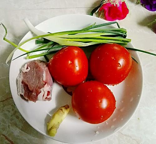 粉肠番茄汤