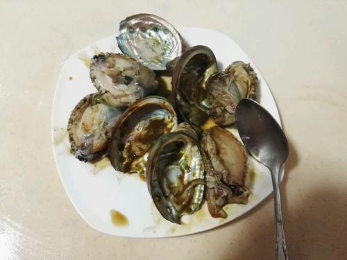 鲍鱼鱼胶汤