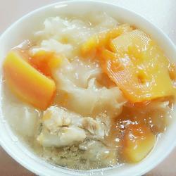 木瓜银耳排骨汤
