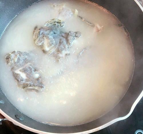 鱼头鱼骨汤