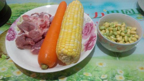 玉米毛豆骨头汤