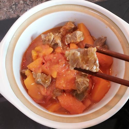 胡萝卜翻茄煲牛腩