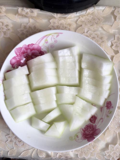 灵芝冬瓜炖排骨