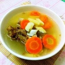 山药红萝卜骨头汤