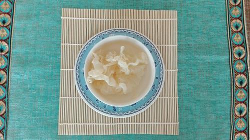 莲子银耳黑米粥