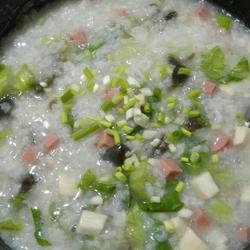 皮蛋火腿粥