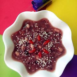红豆花生黑米粥