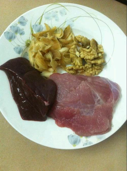 百合核桃瘦肉粥
