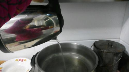 美味香肠西红柿燕麦粥