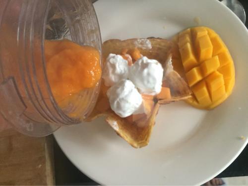 芒果蛋卷冰淇淋