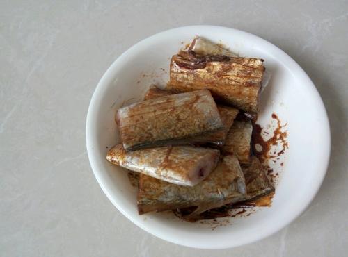 家常红烧带鱼